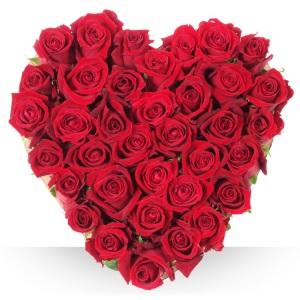 Inviare online cuore di rose rosse