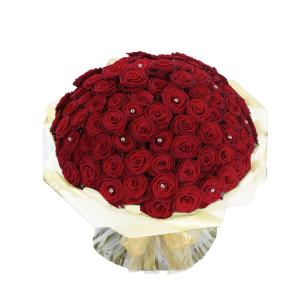 Inviare online Mazzo con 100 Rose Rosse