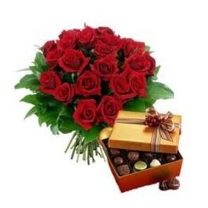 inviare online rose rosse e cioccolatini