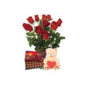 Inviare online rose rosse, peluche e cioccolatini